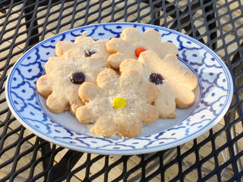 srs shortbread flowers