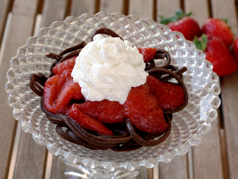 Chocolate pasta strawberry 1