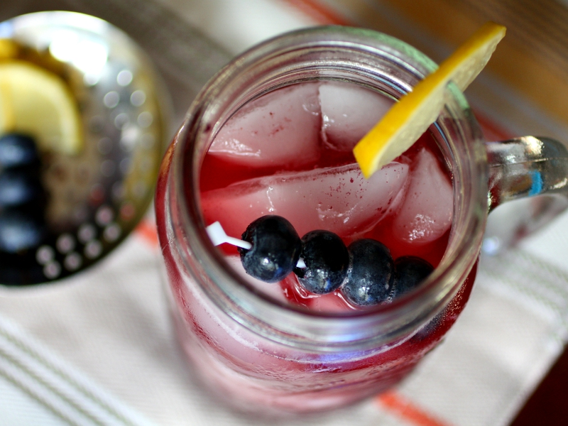 blueberries sweet tea